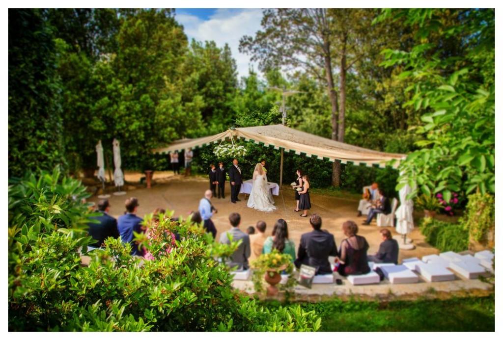 symbolic ceremony  in a Tuscan villa.jpg