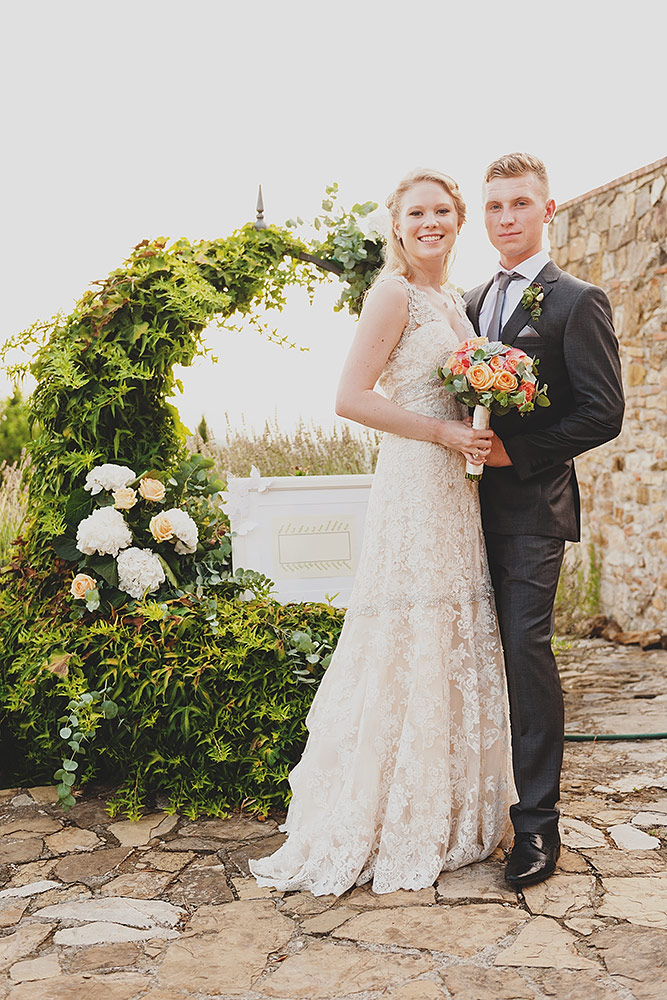 romantic wedding in Tuscany - bridal couple