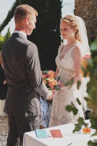 romantic wedding in Tuscany - traditional exchange of vows