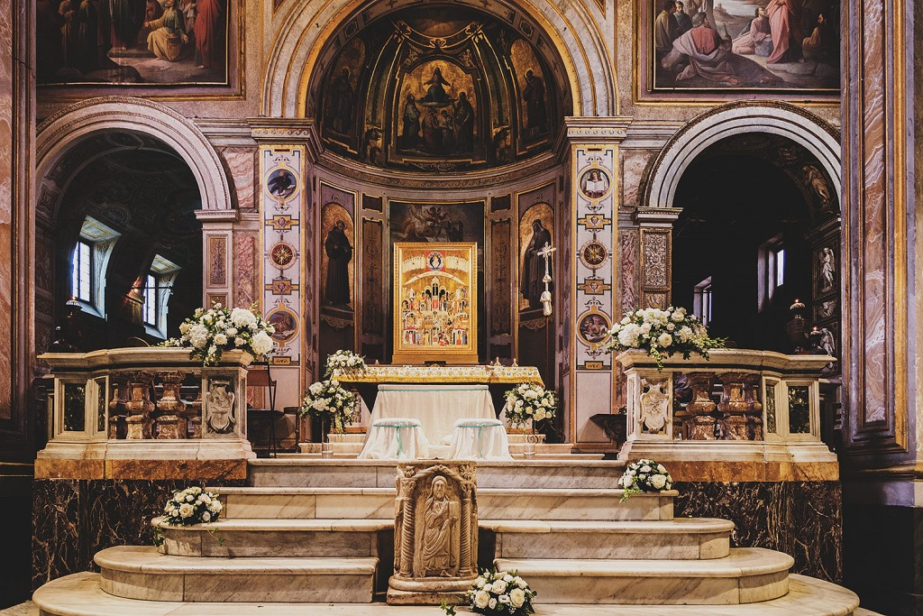 Church wedding altar decorations images wedding decoration ideas wedding decorations for church altar wedding ideas junglespirit Images